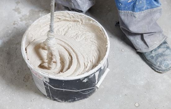 Штукатурка стен под обои – подготовка, применяемые смеси