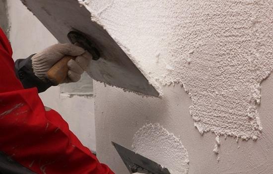 Температура, при которой штукатурят стены