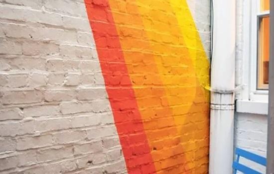 Чем покрасить кирпичную стену на балконе – требования к отделке