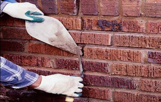 Заделка трещин в кирпичных стенах – технология ремонта