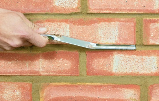 Расшивка швов кирпичной кладки – методика проведения