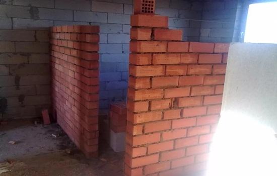 Толщина стены в 1 кирпич – особенности применения